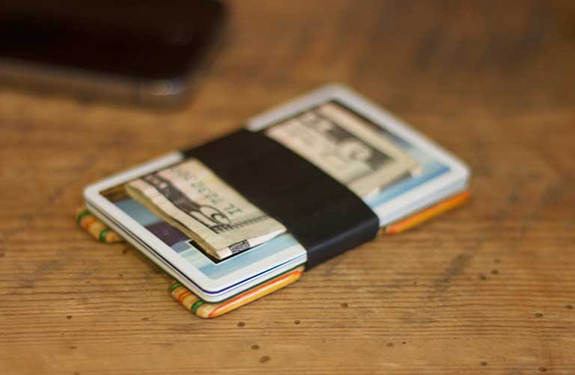 wallet-with-phone-02
